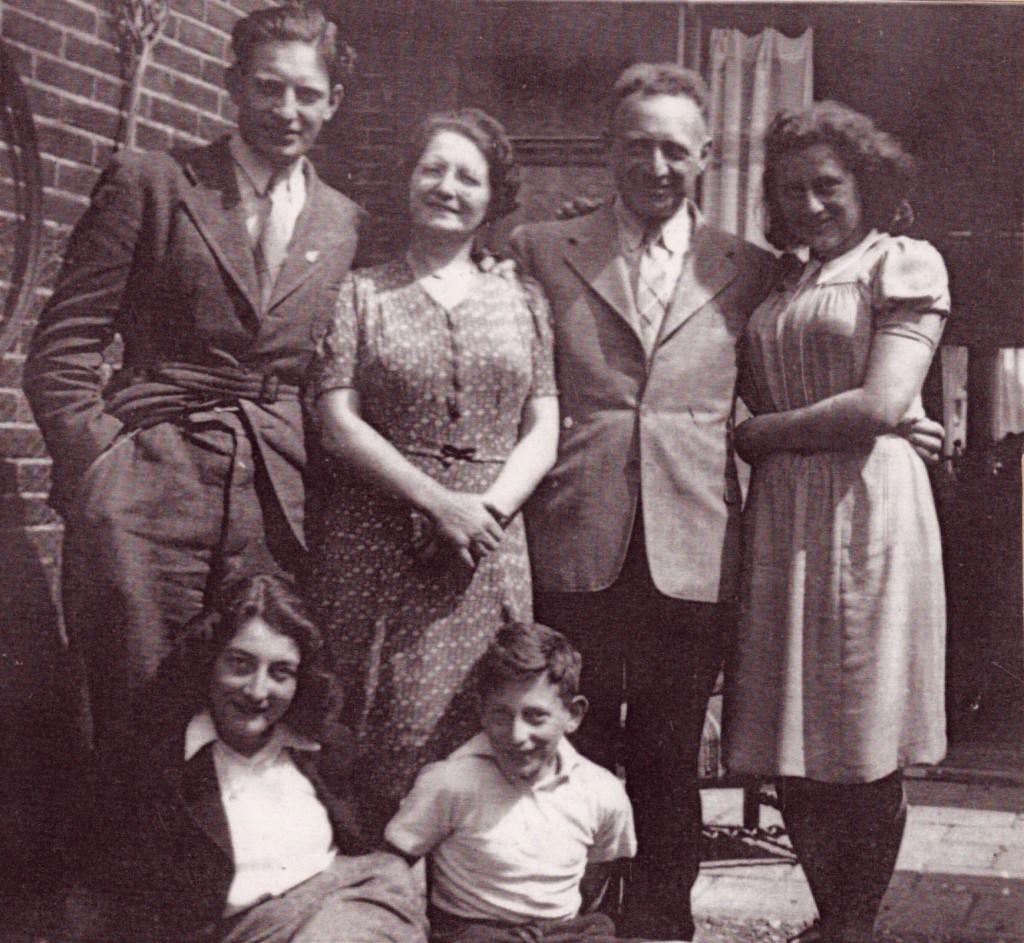 int-HH-gezin1941