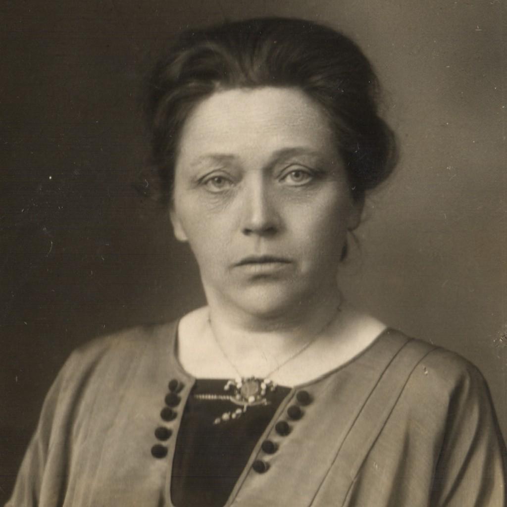 WP-1913 AgnesBruins